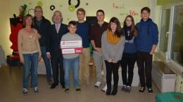 Spendenübergabe im Jugendtreff Hillesheim
