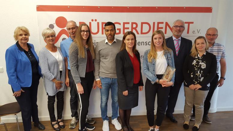 Der Vorstand des BÜRGERDIENST e.V. und seine Gäste blicken auf einen tollen und informativen Tag mit den BÜRGERDIENST-Stipendiaten zurück