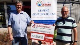 BÜRGERDIENST Vorstandsmitglied Erwin Borsch (rechts) übergab die Spende an Manfred Wientgen vom Netzwerk Demenz Vulkaneifel (Pflegestützpunkt Daun-Kelberg)